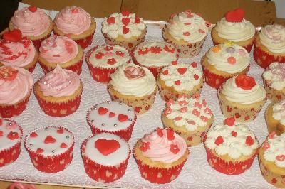 24th valentines day cupcake decorating party